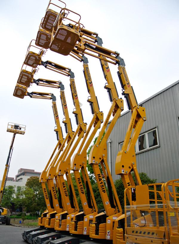 15米电动曲臂式升降平台